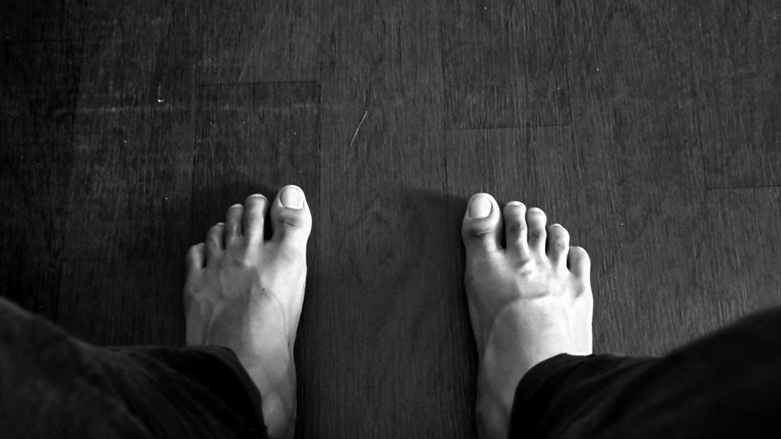 Image of 2 feet